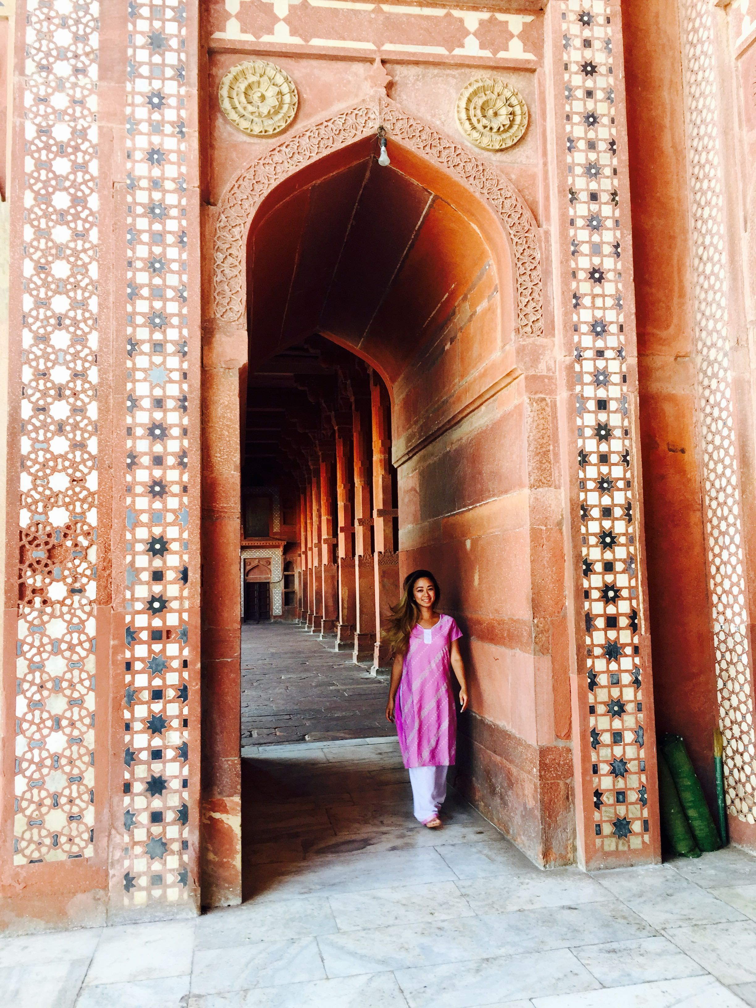 Fatehpur Sikri was a beautiful capital city in its time, but was abandoned right after construction was completed due to lack of water source!